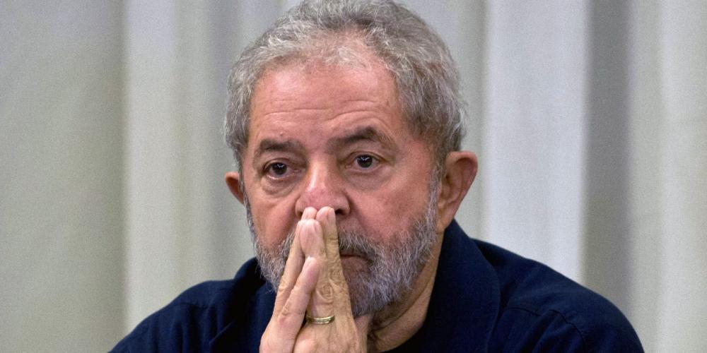 Resultado de imagem para Prazo para Lula se apresentar à PF termina; ex-presidente continua em sindicato